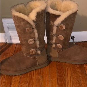 Woman's Bailey button triplet Ugg boot